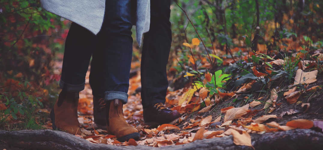 Maine Fall getaway - couple hiking