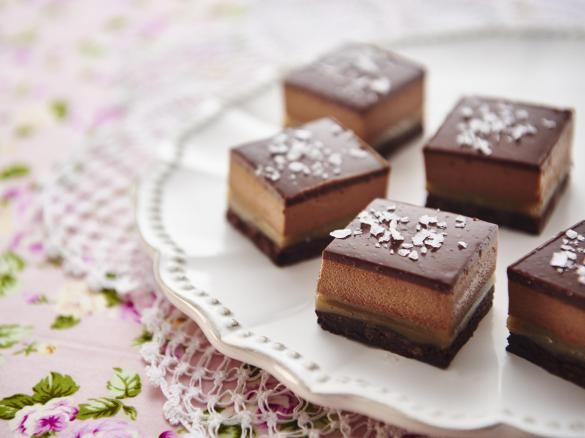 Four chocolate caramel petit fours